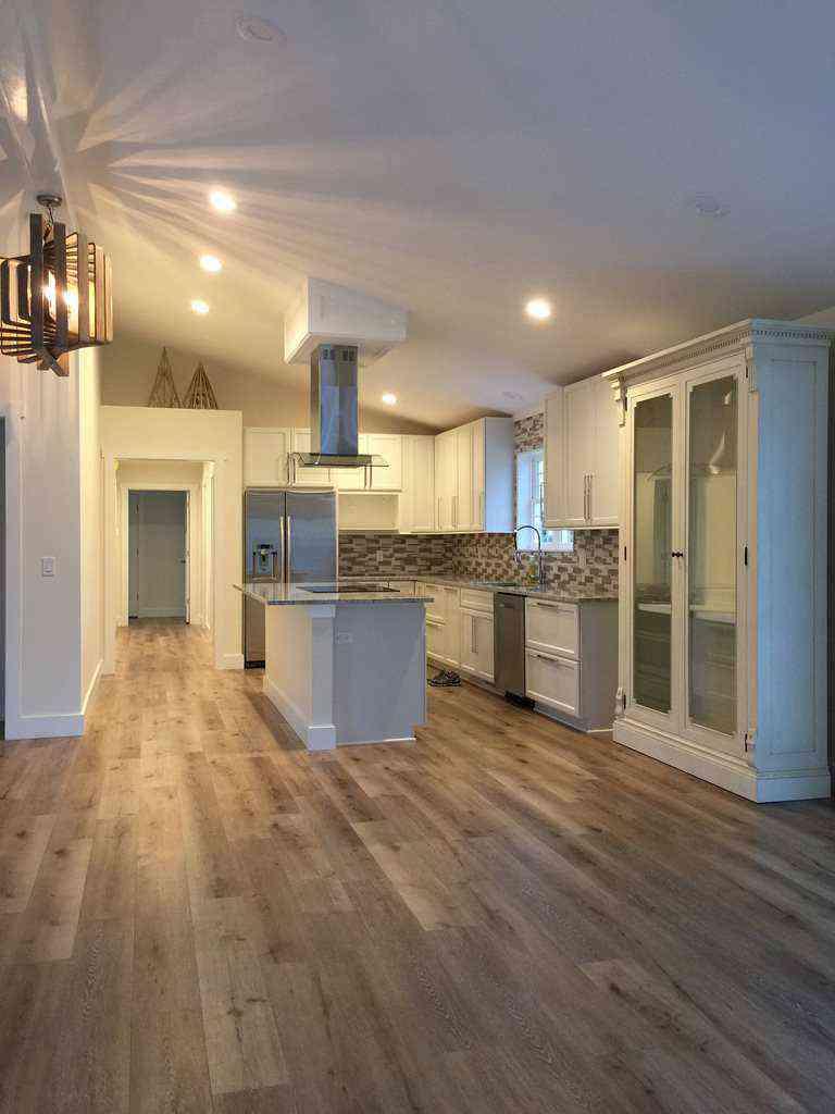 Cali Builder S Choice Aged Hickory 2200 Giant Floor